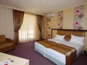 aquatonikhotel_staia